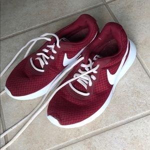 Like new Nike's burgundy